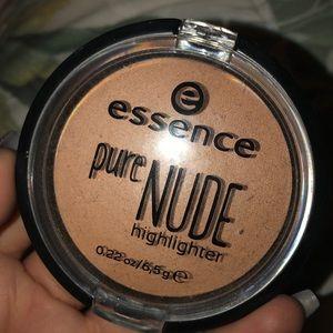 Essence Highlighter